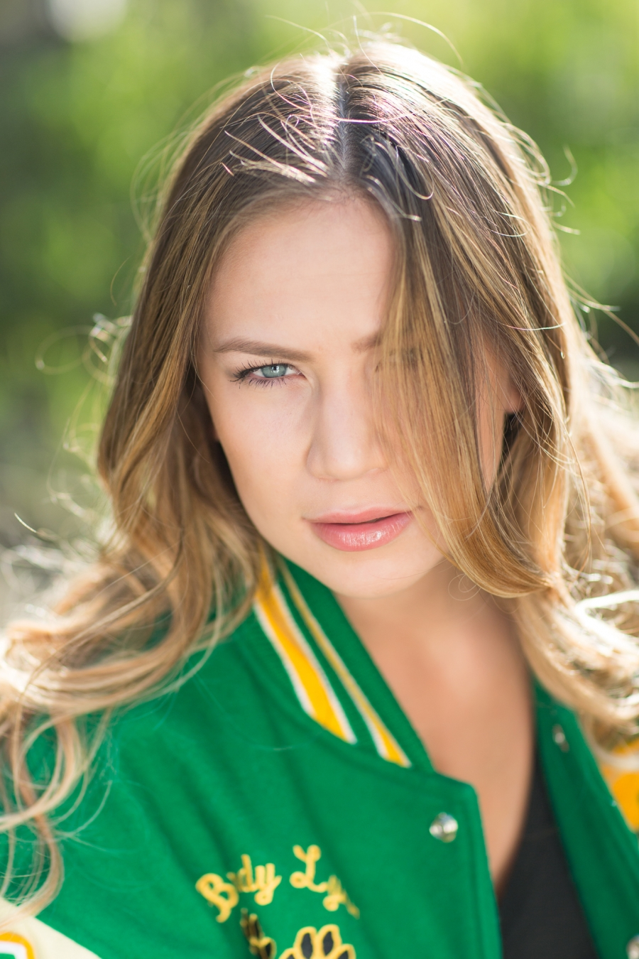 <b>Tracy High</b> Senior Portrait Brady Victoria - 15__0493(pp_w900_h1350)